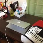 私の家の机