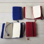 青と赤の、毛糸のミニノートブック