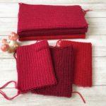 赤ずきん三姉妹の、毛糸のジッパーケース作ってます。